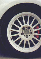 golf_vr6_wheel.jpg (15241 bytes)